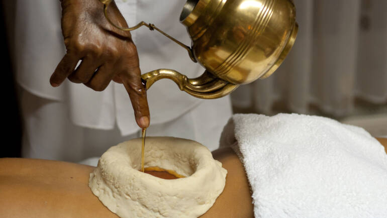 Katibasti para la lumbalgia en Ayurveda