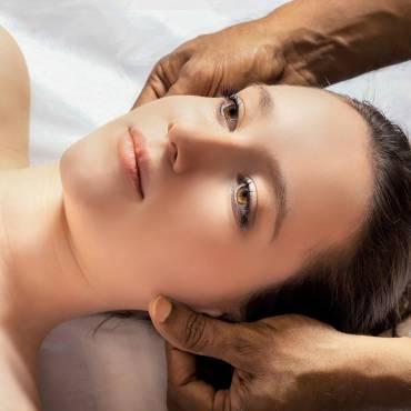 Shiroabhyanga y el masaje de cara en Ayurveda