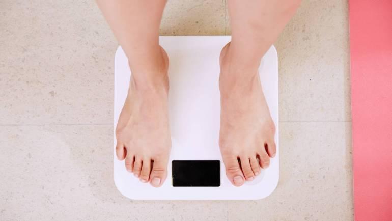 Udvartana para perder peso con Ᾱyurveda