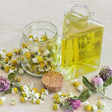 Uso de aceites en masaje ayurvédico