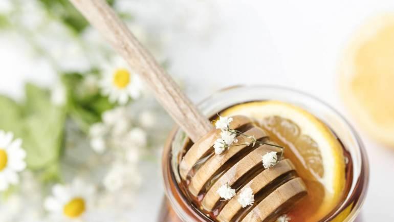 La miel en Āyurveda: propiedades, usos y beneficios